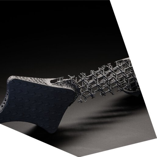 Formula 1 titanium brake pedal in optimized lightweight construction, DMLS, 3D printing, metal, laser | © EOS