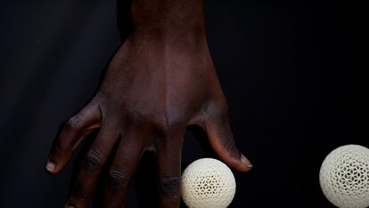 Hand with Rhomballs, 3D printing, polymer, EOS | © EOS