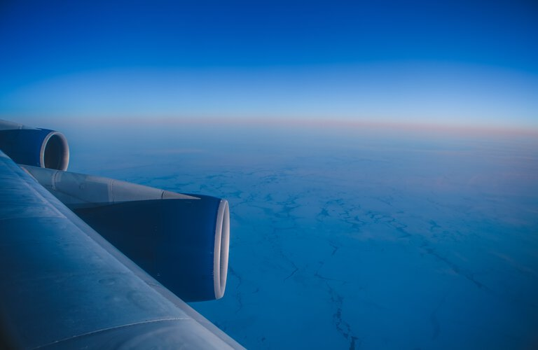 View out of aeroplane | © Photo by Tim Trad on Unsplash