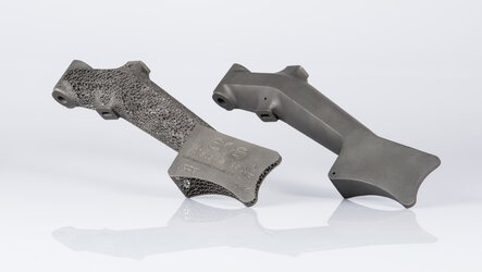 Lightweight structures with 3D printing optimize a brake pedal
